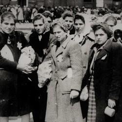 Women arriving in Auschwitz